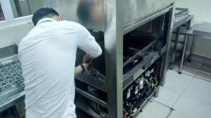 Máy sấy thổi có chức năng duy trì nhiệt độ trong máy rửa chén công nghiệp
